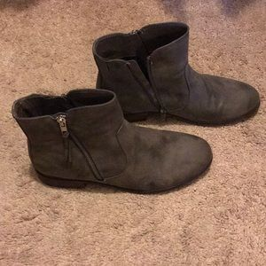 Grey ankle boots with zipper on both sides